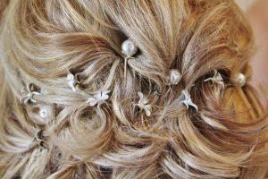 Schöner Haarschmuck macht Haar zur Pracht.